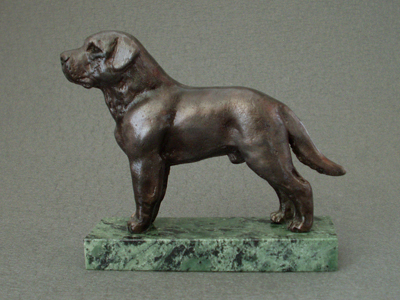 Labrador Retriever - Classic Figure on Marble Base