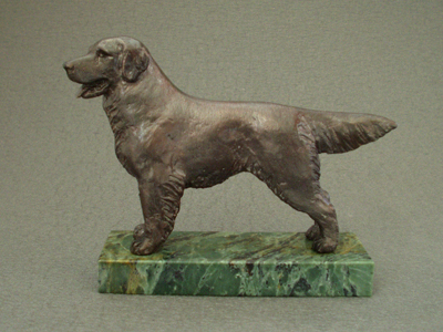 Golden Retriever - Classic Figure on Marble Base