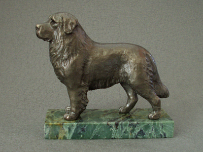 Bernese Mountain Dog - Classic Figure on Marble Base